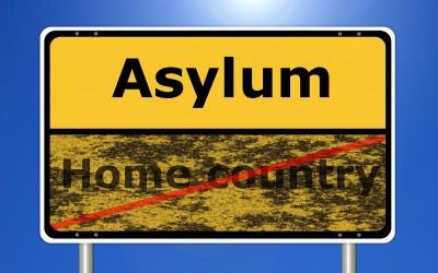 Die Anhörung im Asylverfahren. Empfehlungen für Helfer und Asylsuchende.